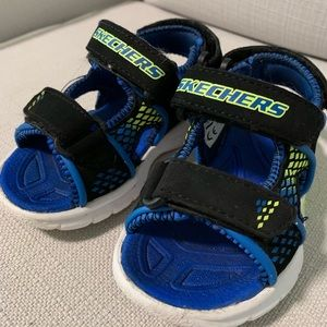 Light up toddler sketchers